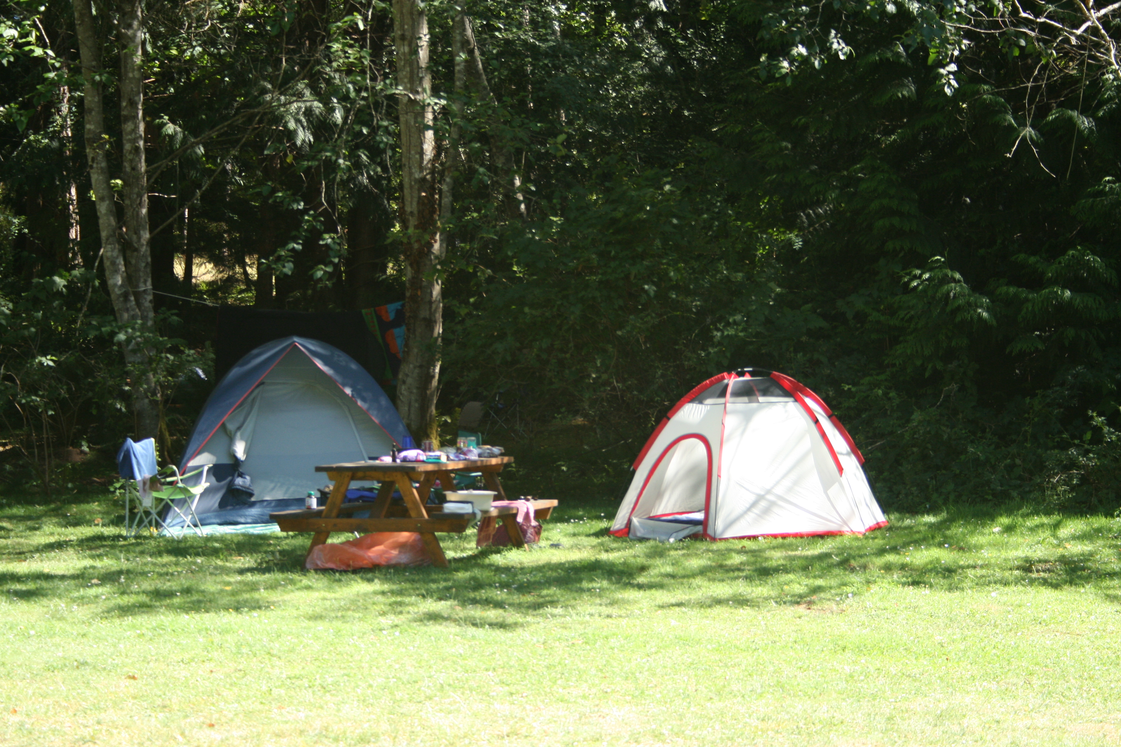 Sites for recreational vehicles and tents