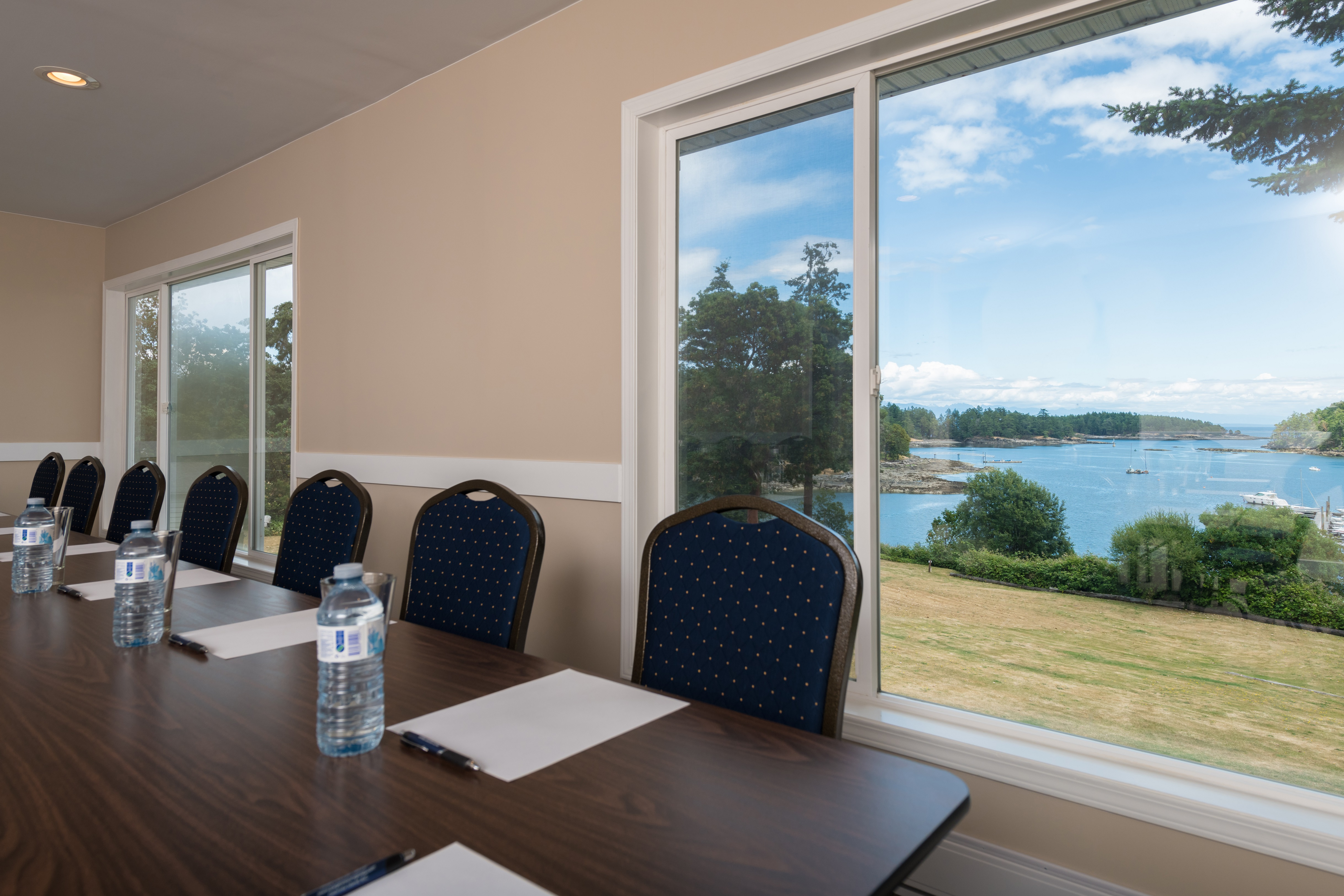 Meetingroom with a fabulous view of the bay